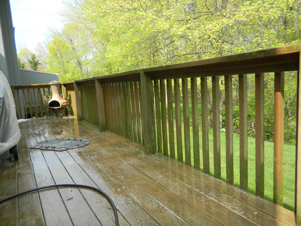 Grand Blanc Power Washing Decks Deck Staining, Driveway Sidewalk Home Davison Holly Fenton Ortonville Goodrich Burton